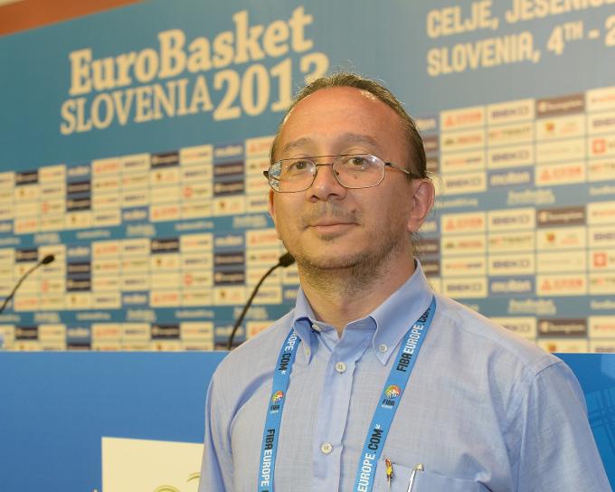 Esta foto fue realizada por Grega Wernig para la Entrevista que nos realizaron desde el diario deportivo esloveno Ekipa en Tselje durante la Primera Fase del EuroBasket 2013