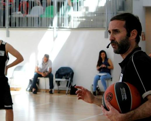 En esta foto podemos ver a Sito Alonso en un momento del International Euroleague Final Four 2015 de Madrid Coaches Clinic