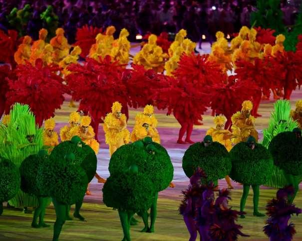 En esta foto podemos ver un colorido momento de la Ceremonia de Clausura de los Juegos Olímpicos de Río 2016