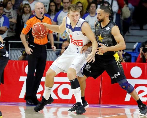 En esta foto podemos ver a Luka Dónchitch posteando en el Partido de la Octava Jornada de la Liga ACB 2016-2017 en el que consiguieron la Victoria ante el Tenerife