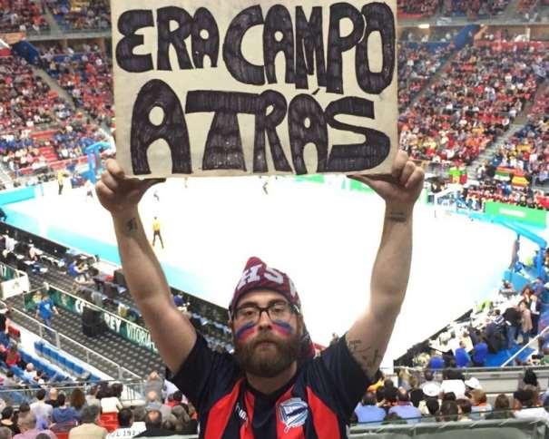 """En esta imagen se puede ver la Pancarta que dio lugar al Cántico """"Era Campo Atrás"""" durante la Copa ACB 2017 de Vitoria-Gasteiz"""