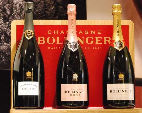 En esta foto, tomada por Tico (Javier) Gonzalo Micó para devuestrobasket.com, podemos ver 3 de los vinos que se cataron en la Masterclass de la Maison Champagne Bollinger celebrada en Lavinia, Madrid