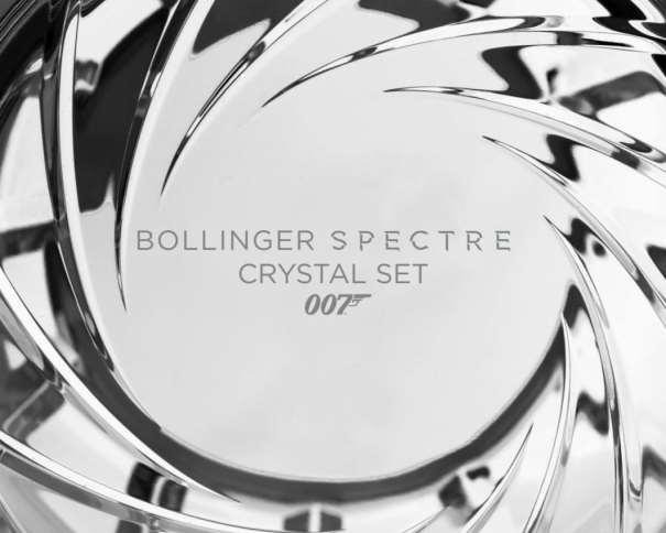 En esta foto, tomada de la web Oficial de la Maison Champagne Bollinger podemos ver una Edición Especial, la del Bollinger Spectre Crystal Set 007