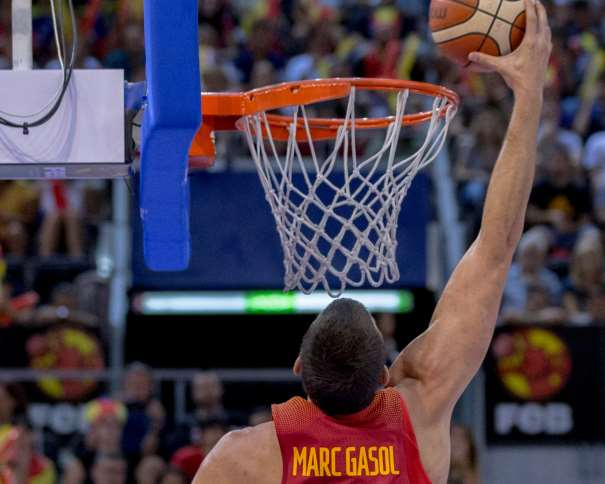 En esta foto, facilitada por la FEB, Federación de Baloncesto, podemos ver a Marc Gasol, MVP y Máximo Anotador del Tercer Partido de Preparación de la Selección de cara al EuroBásker 2017
