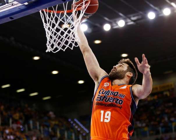 En esta foto, facilitada por la ACB, podemos ver a Fernando San Emeterio, sexto Jugador Más Valorado de los 2 Equipos Finalistas de la Supercopa ACB 2017 en las Semifinales, Tercero de los Exteriores