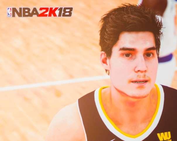 En esta imagen, de la Presentación del juego NBA 2K18 en Madrid, podemos ver la Digitalización de Juancho Hernangómez