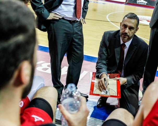 Jota Cuspinera, Entrenador Jefe del Zaragoza ACB, en un instante de un Tiempo Muerto del Zaragoza - Estudiantes de la Jornada 15 de la Liga ACB 2017-2018  ACB Photo/E. Casas