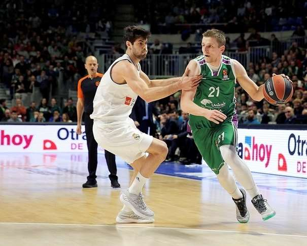 (21) Adam Waczyński Foto: euroleague.net