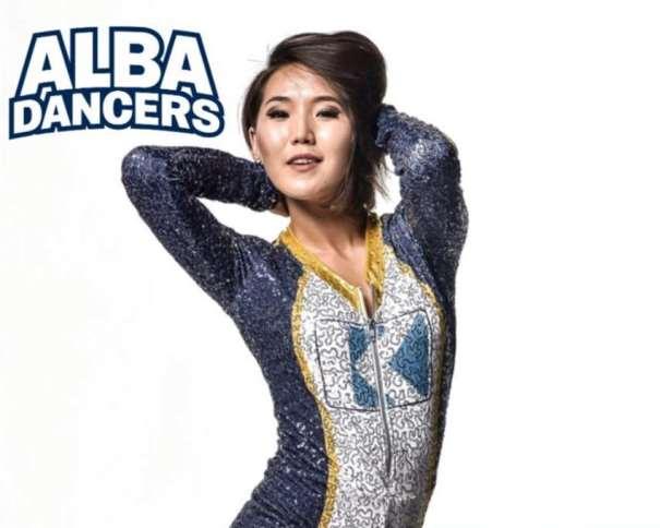 Shine (nacida en Ulaanbaatar, Улаанбаатар, Ulan Bator, Mongolia)facebook.com/albadancers/