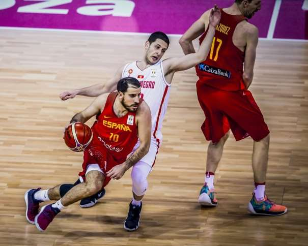10 Quino Colom (ESP) 10 Quino Colom (ESP), Spain v Mntenegro, 2019 FIBA Basketball World Cup 2019 European Qualifiers, Zaragoza -Pabellon Principe Felipe(ESP), First Round, 26 February 2018