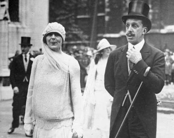 """El exrey fotografiado en 1932 en Londres"" De Bundesarchiv, Bild 102-13726 / CC-BY-SA 3.0, CC BY-SA 3.0 de, https://commons.wikimedia.org/w/index.php?curid=5481150"